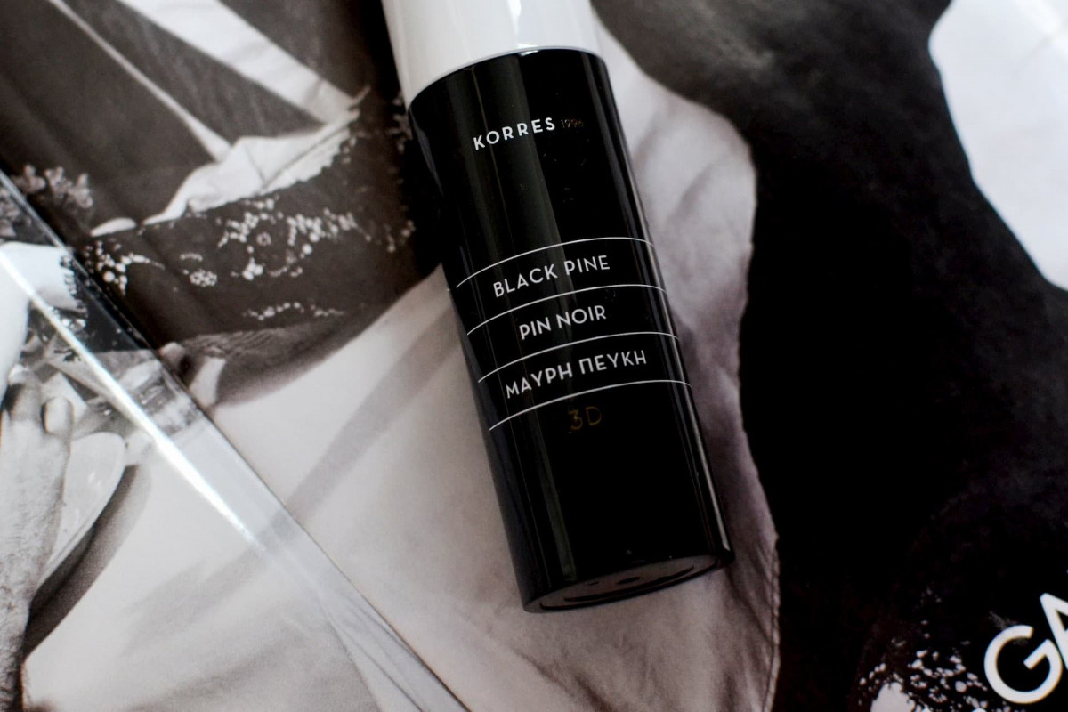 Снимаю очки перед Korres Black Pine Eye Cream
